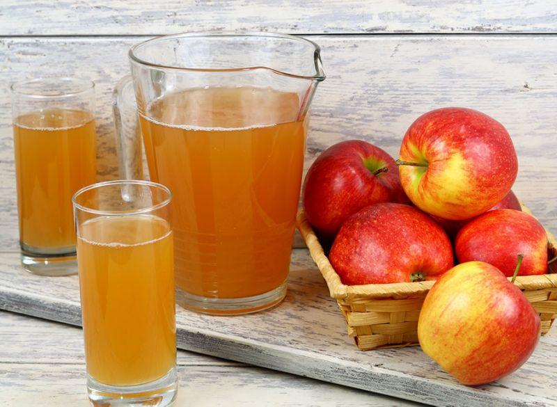 Λεκές από μήλο ή χυμό μήλου στην ταπετσαρία