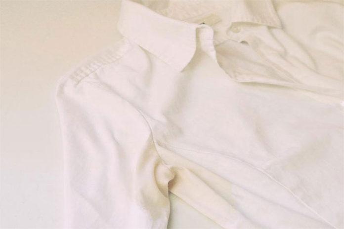 Λεκές από Ιδρώτα στα Ρούχα