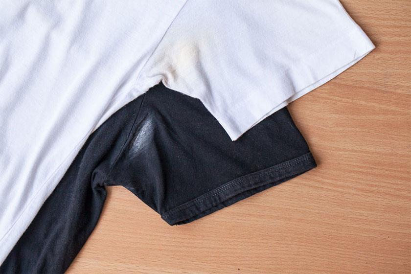 Λεκές από αποσμητικό στα ρούχα