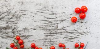 Λεκές από Ντομάτα στα Πλαστικά Δοχεία