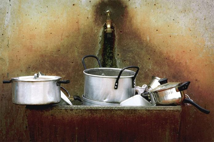5 Συμβουλές για να Καθαρίσετε Οικολογικά Τηγάνια και Κατσαρόλες