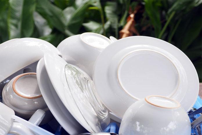 Φτιάξτε το Δικό σας Φυσικό Υγρό Απορρυπαντικό Πιάτων