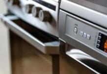 DIY Φυσικό Καθαριστικό για το Τζάμι της Κουζίνας